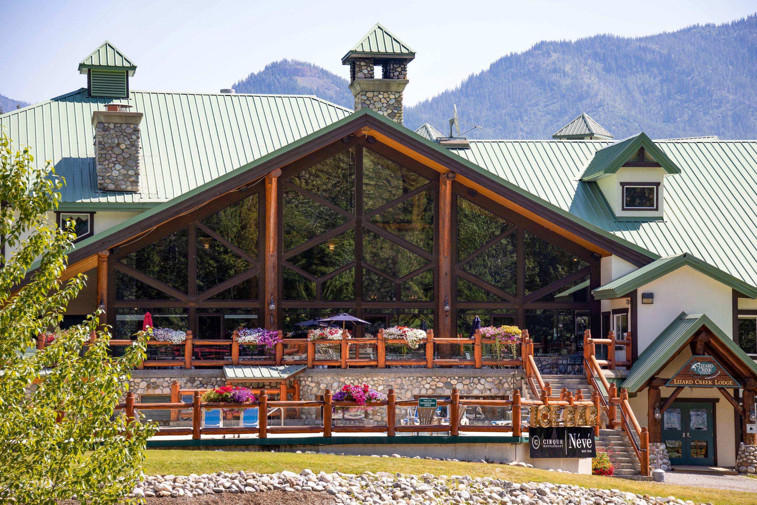 Lizard Creek Lodge in Summer